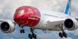 art-Norwegian-Air-Shuttle-Dreamliner-620x349