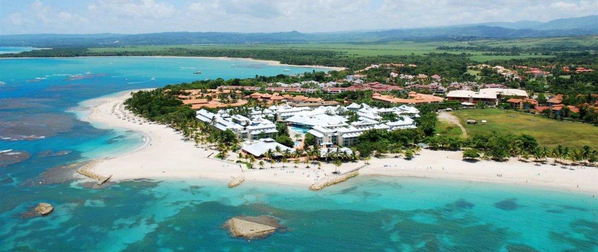 Collado se compromete a trabajar para rescatar turismo de la costa Norte -  Noticias de turismo - arecoa.com